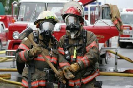 7565-425x283-firefighters